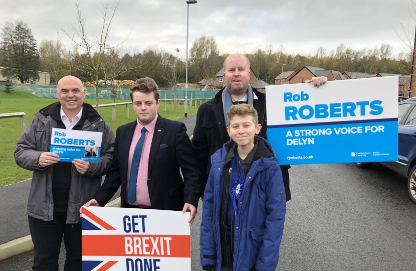 Rob, Paul Davies and a couple of our Young Conservatives.